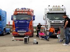 jugando con los camiones.CR2