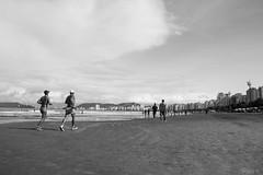 Correndo na Praia (BRUREZ) Tags: santos corrida sup eventoesportivo atletassolidrios