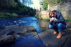 Sanne & Water of Leith (ND-Photo.nl) Tags: camera city bridge mountain andy monument station museum river volcano scotland arthur seat sony south north dean royal scottish whiskey nelson medieval cobblestones national experience cashmere harris edinburg z2 mile filling waverley tweed northbridge arthurs sanne obscura schotland southbridge kuhlmann ramdin pixlr xperia