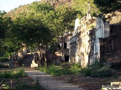 Phowintaung Caves (Anthony Surace) Tags: burma caves myanmar win pho taung phowintaung