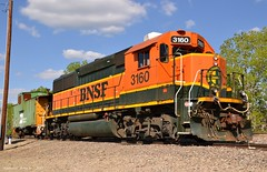 BNSF Local in Lenexa, KS (Grant Goertzen) Tags: city railroad train power cab railway trains bn caboose kansas locomotive local extended job bnsf unit switcher emd roadswitcher