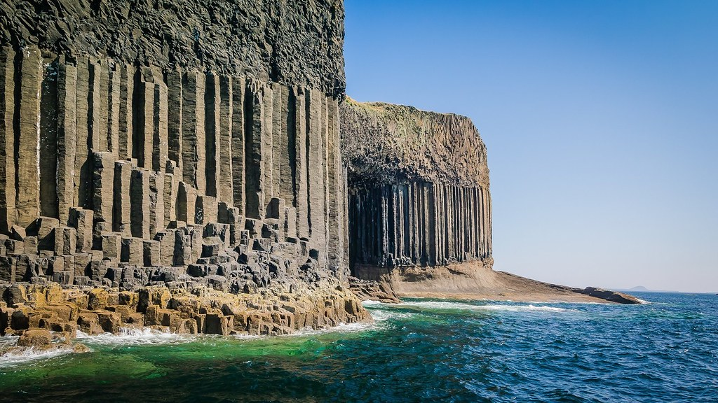 The-Fingal's-Cave-Scotland
