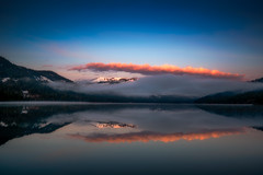 Sunrise at California's Donner Lake (Beau Rogers) Tags: california morning pink reflection fog sunrise sierra sierranevada donner truckee donnerlake