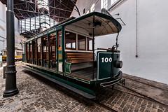 Viejo tranvia (Perurena) Tags: portugal machine oporto maquina transporte adoquines electrico tranvia vias empedrado museodeltranvia