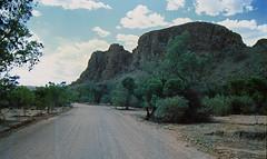 Flinders (Stefan Ulrich Fischer) Tags: road travel nature 35mm landscape outdoor oz australia slide scanned outback analogue southaustralia downunder flindersranges kodakektachrome minoltaxd7