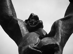 Jantje zonder hart (michieljacker) Tags: rotjeknor rotterdam urban erasmus bw standbeeld plein 1940 1945 statue wederopbouw war