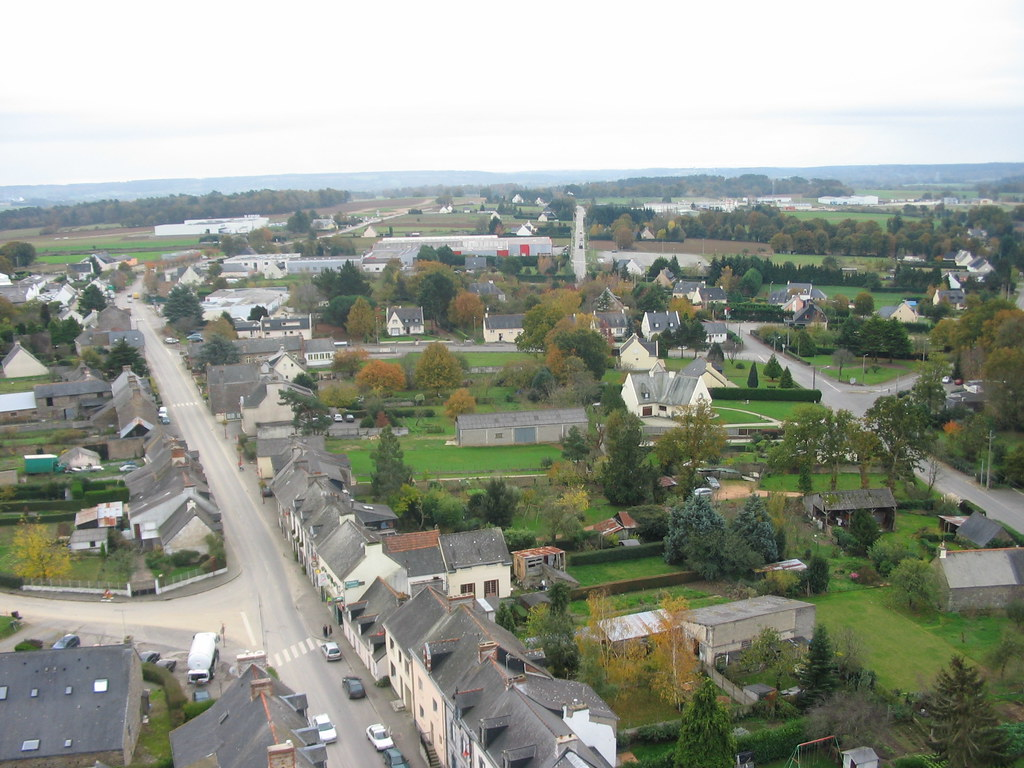 Bourg de Carentoir, vue aérienne du clocher