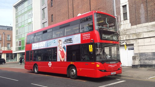 SP100 YT59SGY Scania Omnicity 10.8m on route 65