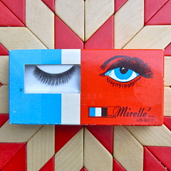wink (Black Cat Bazaar) Tags: blue red white vintage graphics eyelashes packaging 1960s themirelleco