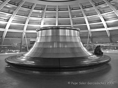 Reichstag dome. (Pepe Soler Garcisnchez) Tags: black berlin blancoynegro blanco canon y withe negro bn powershot reichstag alemania g11 blackandwithe canonpowershotg11