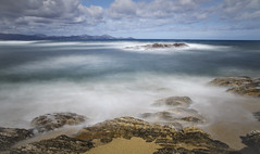 L'cume des jours (Lolo_) Tags: sea mer rocks long exposure exposition frjus plage var rochers issambres mditerrane longue