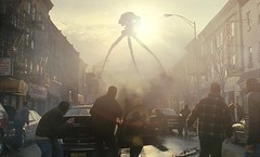 "Picture from the movie ""War of the Worlds"" (Static Phil) Tags: tomcruise timrobbins dakotafanning mirandaotto moviepicture justinchatwin"