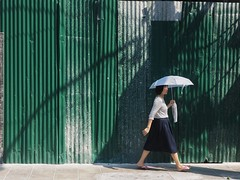 Sun Shower (Feldore) Tags: street woman sun green sunshine umbrella thailand shadows bangkok candid sunny olympus parasol mchugh em1 1240mm feldore