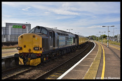 No 37602 & No 37605 21st July 2016 Great Yarmouth (Ian Sharman 1963) Tags: cambridge test tractor train diesel no great 21st engine july rail railway loco trains class locomotive network 37 yarmouth railways services direct 2016 drs 37605 37602