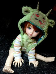 Such a cute little monster (Bazangi) Tags: hat doll zombie bjd dollfie volks abjd vali lorina yosd