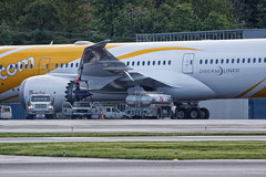 Fuel it up! (Pilot Andy Photography) Tags: singapore delivery boeing scoot 787 dreamliner 7879