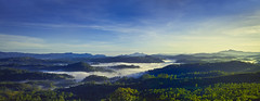 The mist and the valley (Daran Kandasamy) Tags: sky panorama mist mountains green beautiful fog clouds sunrise canon landscape countryside asia earth hills 7d srilanka bandarawela 24105mm bandarawella