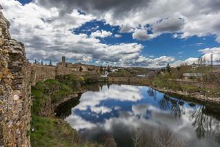Nubes y reflejos en Buitrago