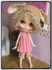 my handmade knitting outfit.. ^^