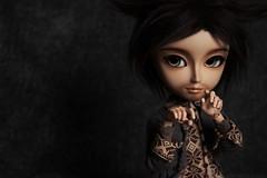 Loup-garou... ♥ (Loony-Doll) Tags: animal fur eyes makeup full wig custom marron mains custo actionman loupgarou furwig taeyang cavalie customisé azazelle blushées