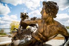 Restist (Gr@vity) Tags: urban statue kunst sony schwerin a7s
