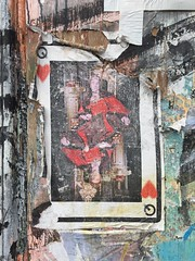 Red Queen (Mister Higgs) Tags: street streetart london archaeology time decay queenofhearts redqueen