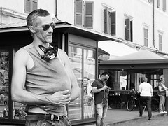 . (alb.montagna) Tags: portrait people blackandwhite bw dog monochrome candid streetphotography streetportrait zuiko olympusomdem10mkii