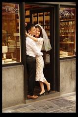 20KM0257 (Leopoldo Esteban) Tags: street wedding brussels calle asia belgium belgique pareja bruxelles bruselas mariage rue belgica japon matrimonio calles straat leopoldoesteban