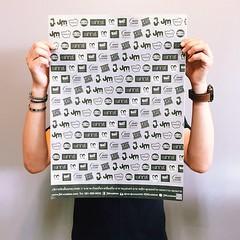 #ดีใจหนักมาก #JMcollection เวอร์ชั่นใหม่ออกมาแว้ววว #กระดาษห่อของ #ลดโลกร้อน #JMcuisine #หน้าไม่งอรอไม่นาน #เพชรบุรี  ขอเชิญชวนมาอุดหนุนกันได้นะครับ น้ำตาลโตนด น้ำผึ้งป่า ขนม ของหวาน ของฝากเพชรบุรี มีทุกสิ่งให้ท่านเลือกสรรจริงๆ