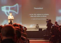 Eröffnungsrede Tag 2: Unnachahmbar: Gunter Dück liest BWLern die Leviten: Vollauslastung sind 85%.