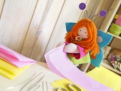Você vai precisar de papel de seda ou espelho coloridos, tesoura e arame (Ateliê Bonifrati) Tags: cute diy artesanato craft tutorial pap passoapasso bonifrati