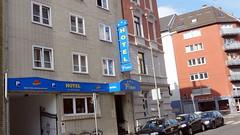 2015-D081 Frankfurt Sachsenhausen Hotel Primus (Wolfgang Appel) Tags: germany deutschland frankfurt francfort sachsenhausen hotelnovum frankfurtsachsenhausen wolfgappel