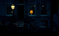 [ Serenata d'Ampere - Ampere serenade ] DSC_1143.3.jinkoll (jinkoll) Tags: street door city windows light man glass amsterdam night reflections walking dawn town couple bikes lamps
