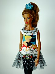 Tantalizing Dominique (Deejay Bafaroy) Tags: blue red portrait white black rot fashion yellow toys doll dress barbie porträt lips gelb dominique makeda blau fr weiss royalty puppe creations integrity lippen kleid tantalizing nuface idollise