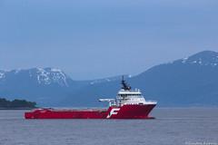 Far Server (sindre97) Tags: sea mountain norway boat norge ship fjord skip far server bt fjell sj 2016 storfjorden farstad