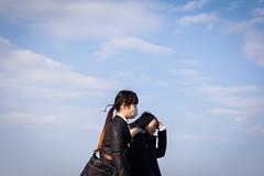 Des secrets ouverts (www.danbouteiller.com) Tags: japan japon japanese japonais japonaise femme women fille yokohama people sky ciel cloudy nuageux nuages clouds cloud canon canon5d eos 5dmk2 5d 50mm 50mm14 5d2 5dm2