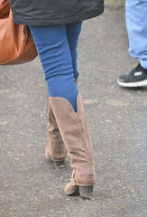 2016-01-08 (46) boots at Laurel Park (JLeeFleenor) Tags: girls woman outside outdoors photography donna md shoes boots photos femme mulher maryland jeans footwear frau vrouw dona laurelpark wanita  tightjeans   kneehigh kvinne   nainen kobieta footgear   kvinde ena  kvinna kadn n lamujer    marylandhorseracing  marylandracing ngiphn
