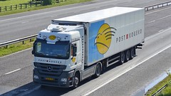 BZ-HL-90 (panmanstan) Tags: truck wagon mercedes motorway yorkshire transport international lorry commercial vehicle freight m62 whitley actros