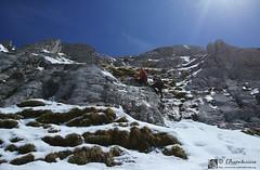 Bastionata ovest del Pizzo Berro, l'attacco del tratto attrezzato (EmozionInUnClick - l'Avventuriero's photos) Tags: parete montagna ferrata sibillini pizzoberro