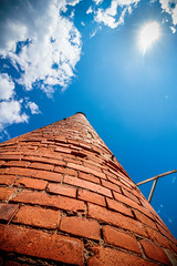 chemine (flo40140) Tags: street urban sun canon soleil spain industrial brique uga 1018 rue ville usine urbain urbex industriel grandangle canon60d