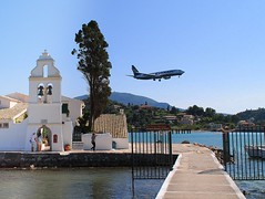 tradition and modernity (mujepa) Tags: church jet chapel greece orthodox corfu orthodoxe église chapelle avion corfou kanoni