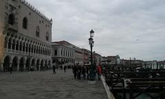 Venezia, Riva degli Schiavoni e Palazzo Ducale (Due per Tre Blog) Tags: venice italia venezia palazzoducale veneto rivadeglischiavoni