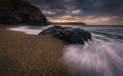 El Moro, Navia (Asturias, Spain) (Tomasz Raciniewski) Tags: sunset sea sky lighthouse seascape beach rock clouds faro coast mar spain sand outdoor wave asturias playa shore moro navia cantabrico d3200