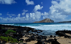 Morning at Makapu'u (jcc55883) Tags: hawaii oahu makapuubeach makapuu sky ocean rabbitisland pacificocean nikon nikond3200 d3200 horizon