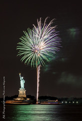 Statue Of Liberty Fireworks July 16 2016-12 (bkrieger02) Tags: nyc newyorkcity longexposure nightphotography brooklyn canon fireworks hudsonriver statueofliberty pyro redhook libertyisland pyrotechnics libertyharbor canonusa 7dmkii louisvalentinopier