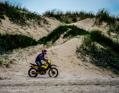 Moto (MarceloLF) Tags: praia nikon moto riograndedosul d5300