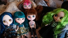 I still don't have a dolly shelf so the girls and I decided on girls night on the bed instead. To shake away those incoming Monday blues.