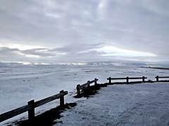 Islande mystrieuse (glopint17) Tags: sky snow ice iceland hiver ciel neige nuages blanc islande barrire luminosit