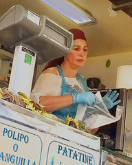 lascio? (gian.franco) Tags: mercato 2016 ambulante budrio