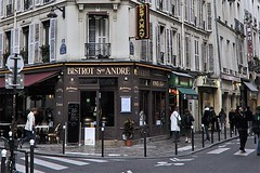 Bistrot Saint-Andr (AntyDiluvian) Tags: street trip paris france shop corner restaurant store cafe crosswalk bistrot 2015 ruesaintandredesarts bistrotsaintandres bistrosaintandre